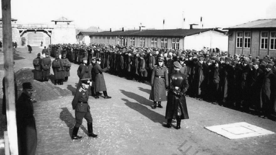 Llegada de prisioneros al campo de concentración de Mauthausen, en 1941.