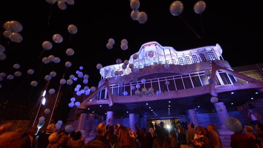 La Asamblea Regional de Murcia iluminada de color azul por el Día de la Diabetes
