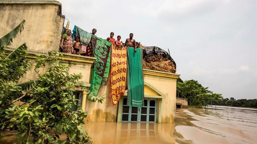 Más de dos millones de evacuados por las inundaciones en la India