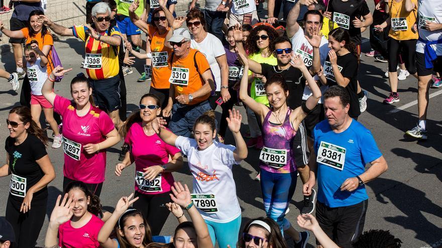Varios corredores en la pasada edición de la Volta a Peu