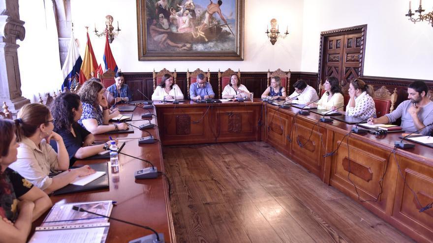 El encuentro se ha celebrado en el Ayuntamiento de Santa Cruz de La Palma.
