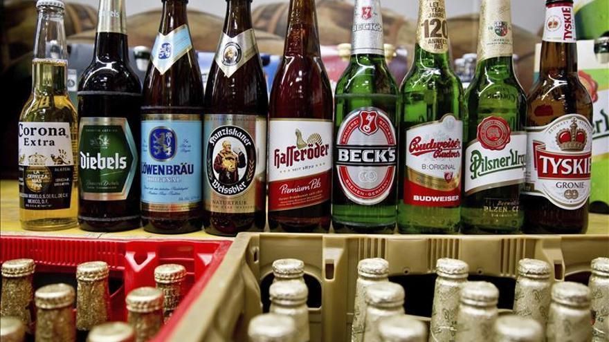 La cervecera AB InBev cierra la compra de SABMiller por 95.200 millones euros