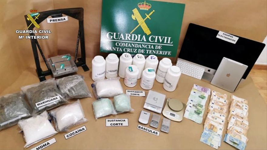 Droga requisada por la Guardia Civil.