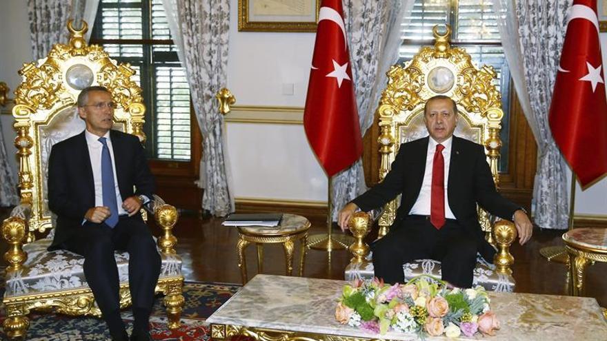 Erdogan critica que los socios de la OTAN no consideren terrorista a la milicia kurdosiria