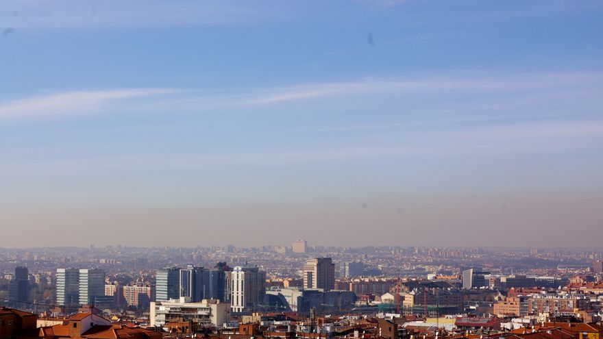 "Vista de Madrid y su ""boina"" desde Vallecas. Foto: gaelx 