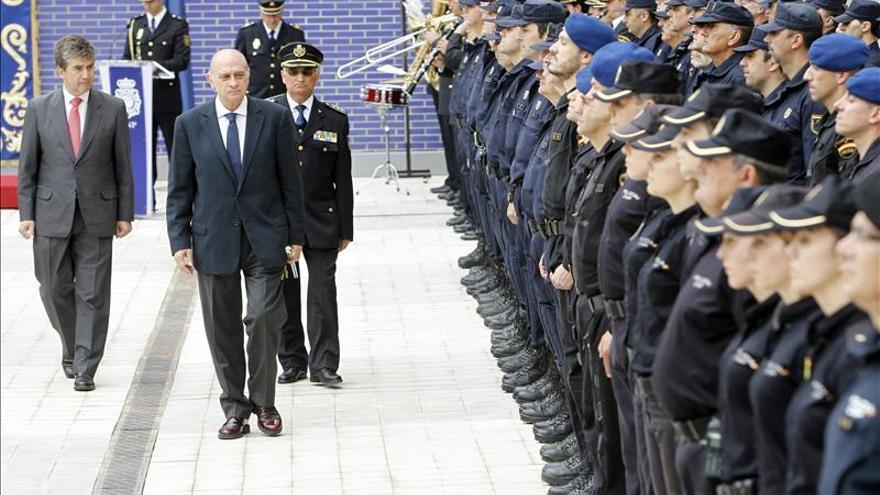 """Los sindicatos policiales recurren la norma de saludar con un """"a sus órdenes"""""""