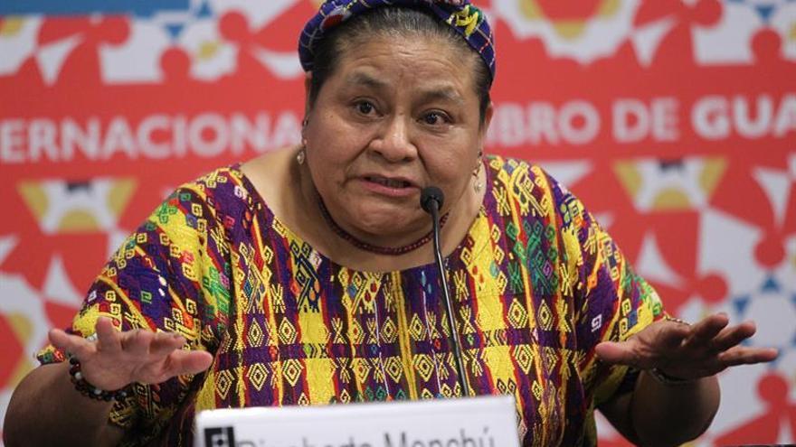 """Rigoberta Menchú dice que periodo de """"convulsión"""" genera """"depresión social"""""""