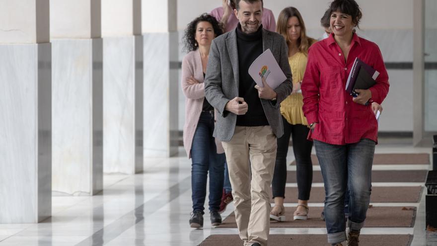 La líder de Podemos Andalucía, Teresa Rodríguez, y el coordinador de IU en la región, Antonio Maíllo, el pasado mes de abril.
