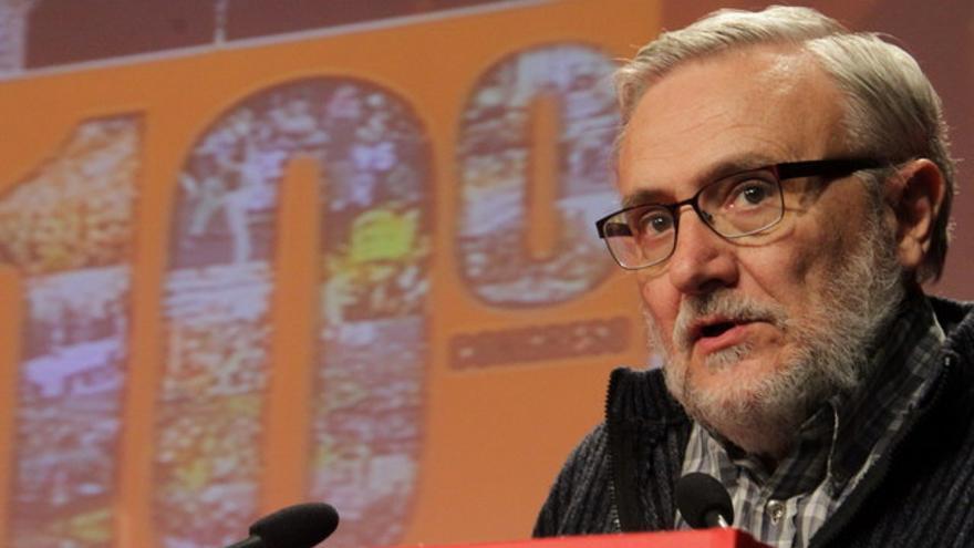 El médico Marciano Sánchez Bayle en una conferencia.