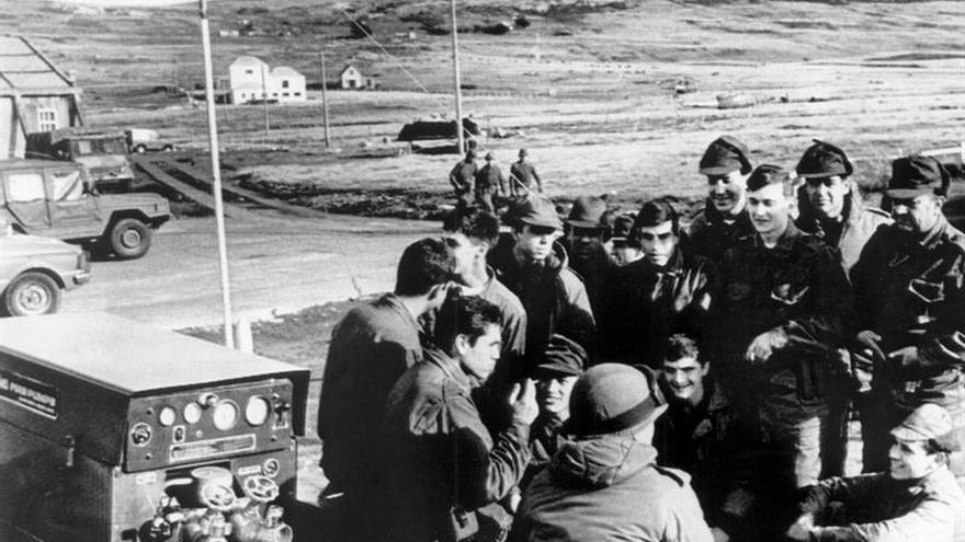 Un fiscal argentino pide detener a 26 oficiales por torturas en la guerra de las Malvinas