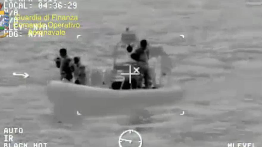 Supervivientes del naufragio en el Mediterréno / Guardia Costiera