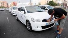 Continúa el paro de taxistas al terminar sin acuerdo la reunión entre Fomento y las asociaciones del sector