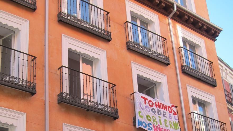 Vender una casa con okupas obliga a los propietarios a bajar un 46,7% el precio en Cantabria