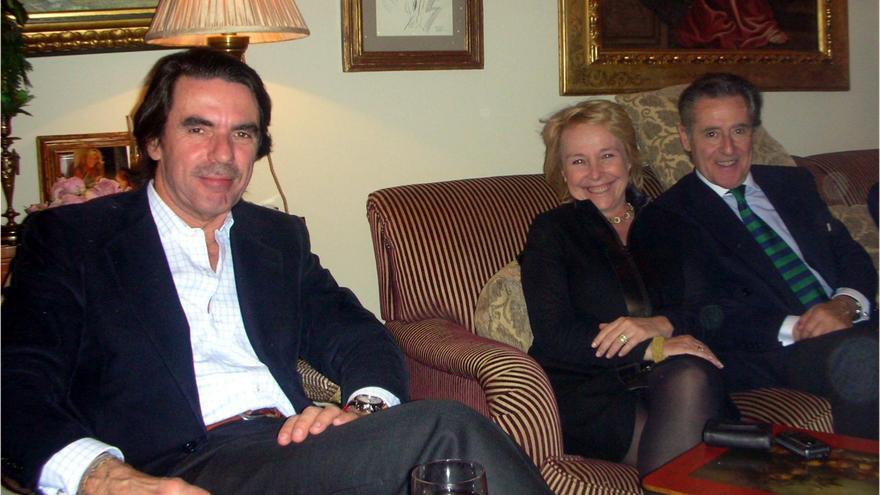 Aznar con Miguel Blesa y Carmen Cafranga