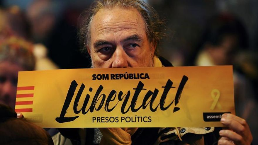 Centenares de personas reclaman la libertad de Junqueras en su ciudad