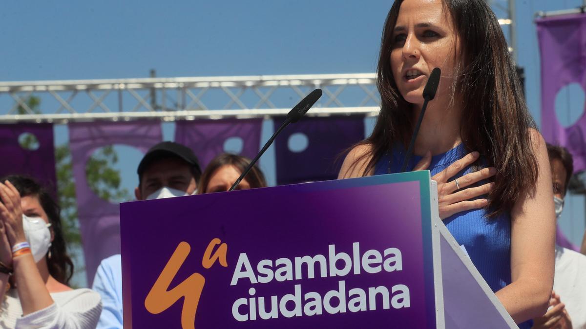 La secretaria general de Podemos, Ione Belarra, durante la IV Asamblea del partido.