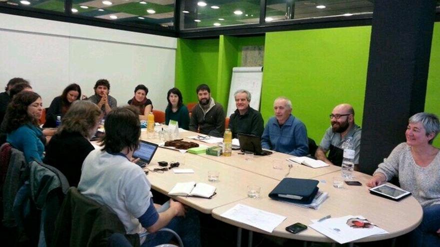 Una reunión de los fundadores de la Asociación de Redes de Mercado Social.