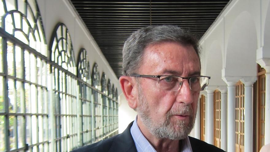 El presidente del Parlamento de Andalucía insiste en que la labor de la Cámara es controlar al Gobierno y no a UGT-A