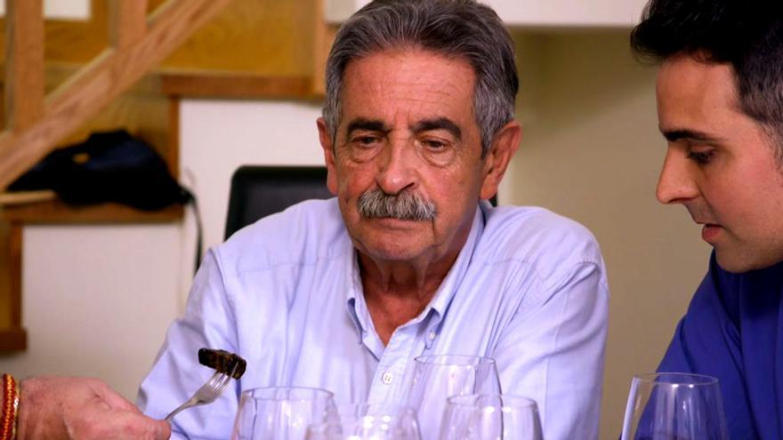 Miguel Ángel Revilla en su visita a Ven a cenar conmigo