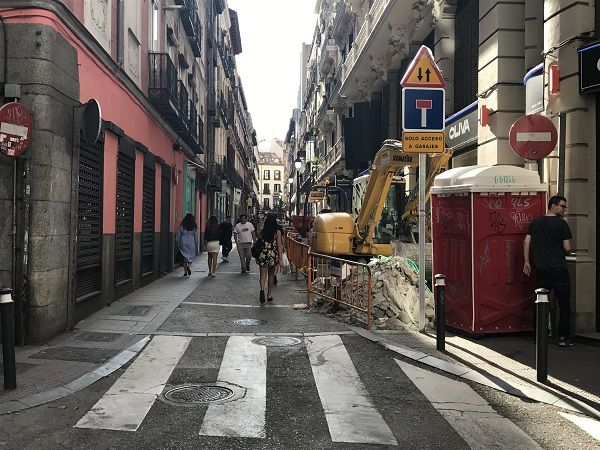 La calle Hernán Cortés durante las obras de remodelación | Fotografía: Somos Chueca