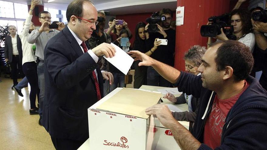 Iceta es reelegido líder del PSC al imponerse a Parlon con un 54% votos