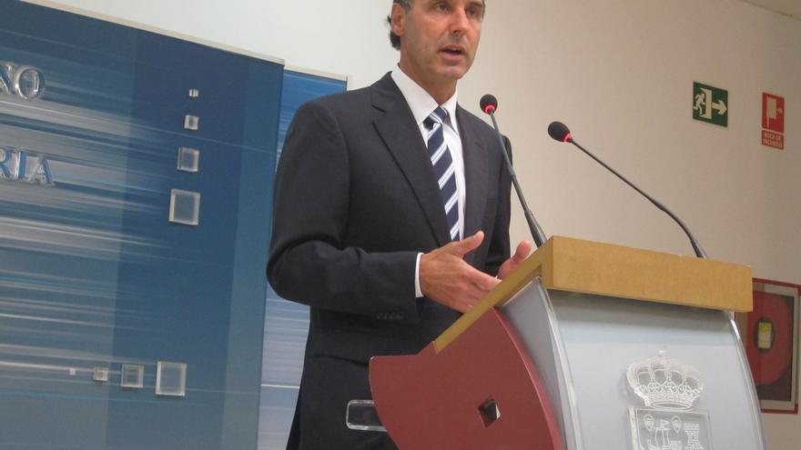 Presidente de Cantabria recuerda que él ya ha hecho públicas sus declaraciones de Renta y Patrimonio