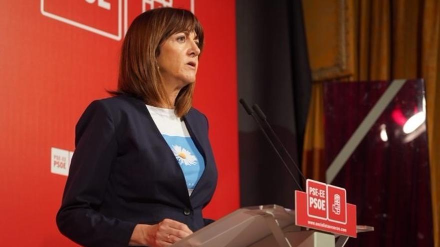 """Mendia (PSE) afirma que Iturgaiz """"abre la puerta de las instituciones vascas a Vox"""" cuando los vascos se la han cerrado"""
