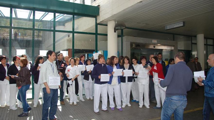 En la imagen, concentración por la mejora de la sanidad pública canaria desarrollada este jueves en el Hospital General.