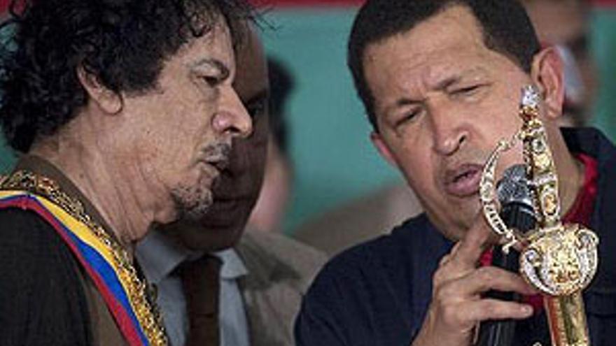 Chávez y Gadafi. (EP)