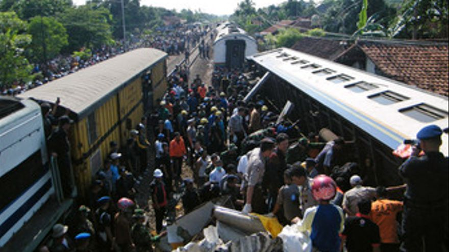 Accidente de tren en Indonesia. (EUROPA PRESS)