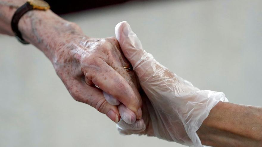 Una familia gallega entierra a una anciana que no era su pariente por un error de identificación en la residencia en la que las dos mujeres compartían cuarto