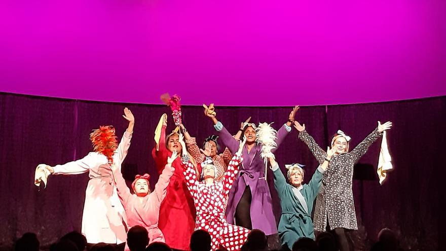 Imagen de un fragmento de la obra de teatro de la compañía Yeses durante su función en Bilbao