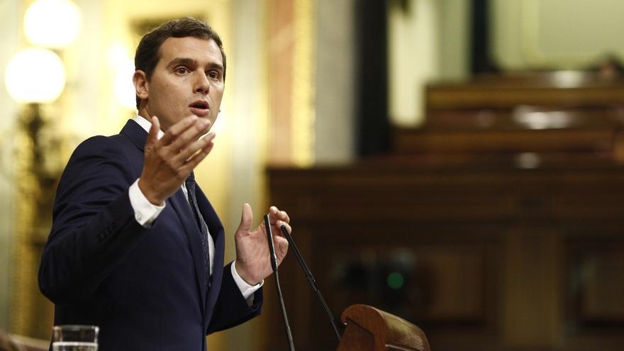 """Rivera (C's) acusa a Rajoy de hacer un Gobierno pensando """"más en su partido que en el país"""""""