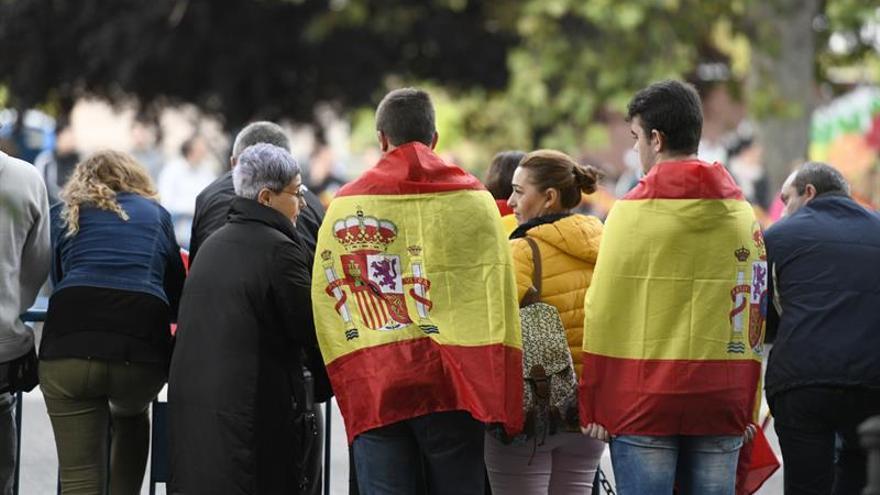 Herido al ser empujado en el metro un hombre que llevaba los colores de la bandera de España