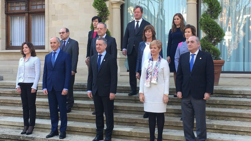 Nueva fotografía de familia del Gobierno vasco