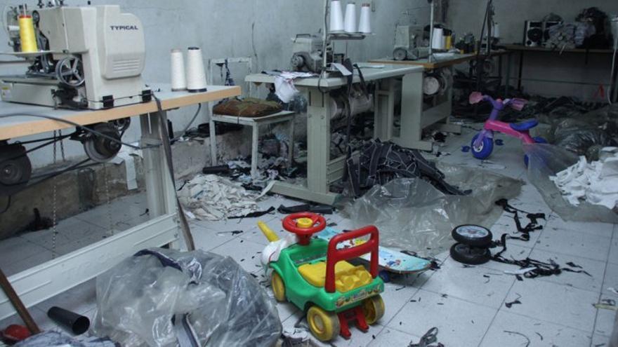 Las ONG calculan que hay unos 3.000 talleres ilegales de costura en Buenos Aires. / F. L. A.