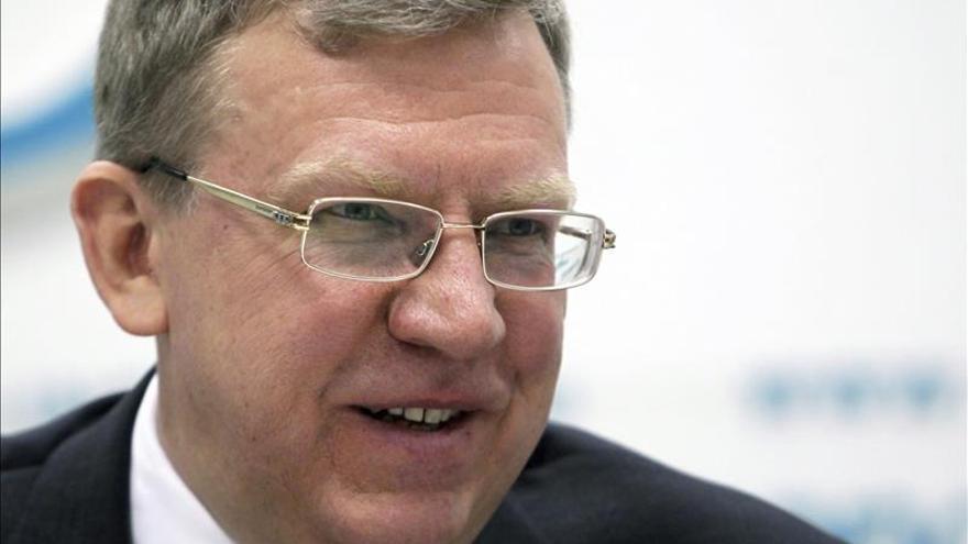 Ex ministro ruso advierte de que la economía aún no ha tocado fondo