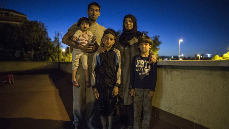 Mohamed y Muna huyeron con sus tres hijos de Siria y han sido devueltos a España desde Alemania.