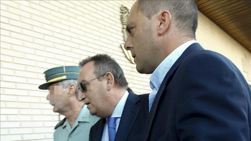 """Rubalcaba afirma que """"un político tiene que ser juzgado rápido"""""""