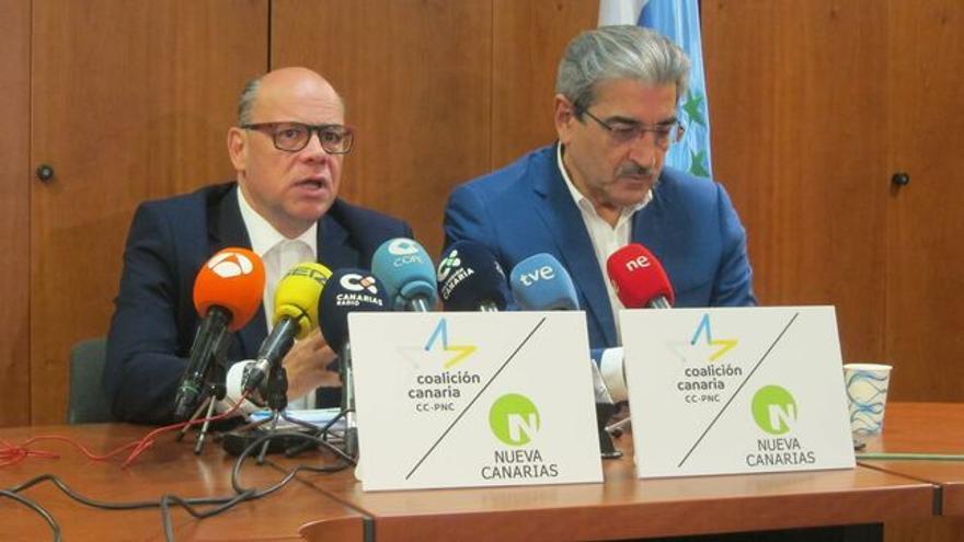 José Miguel Barragán y Román Rodríguez, en una rueda de prensa conjunta de CC y NC
