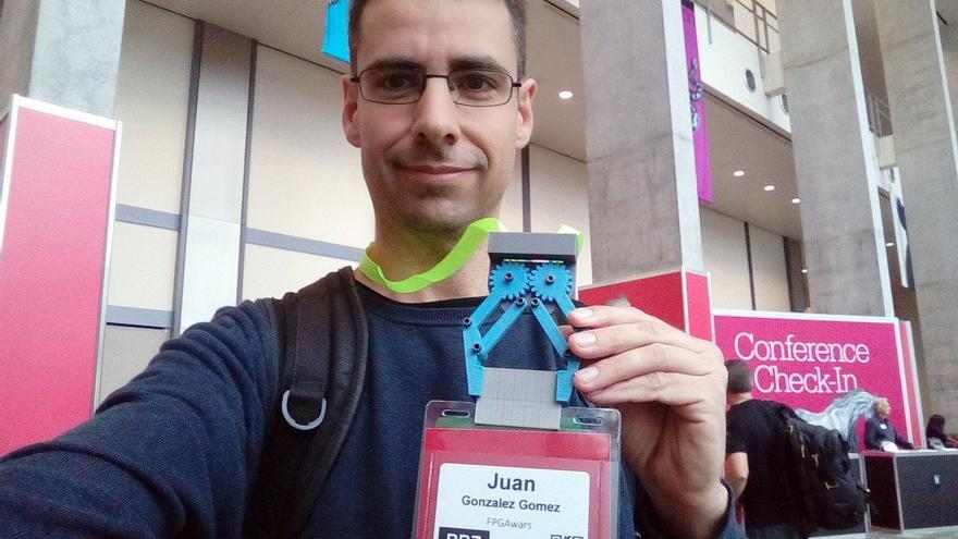 Obijuan ha sido el primer español galardonado en los O'Reilly Open Source Awards