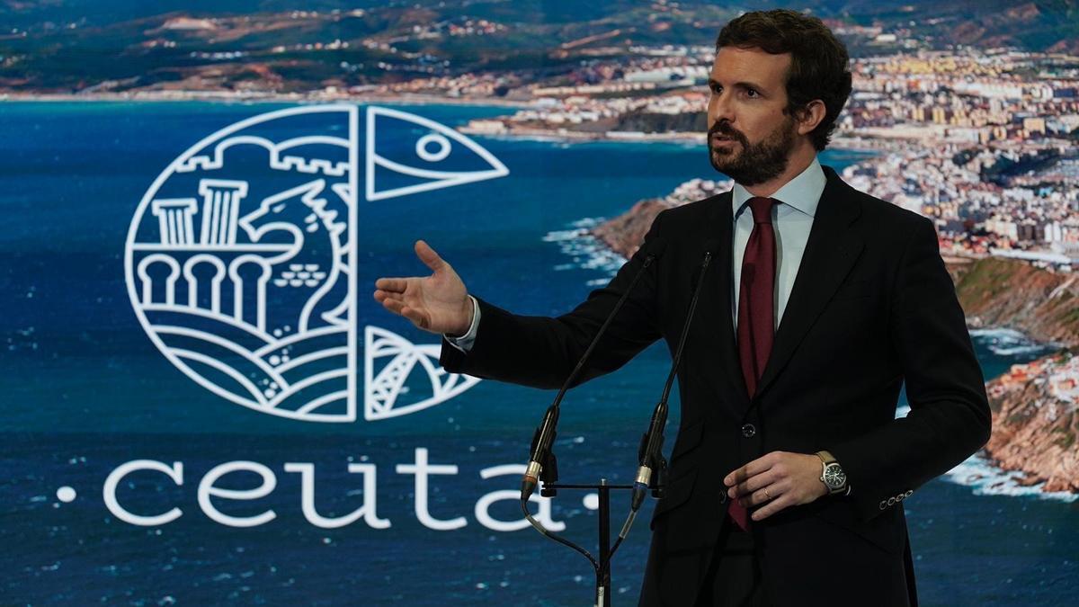 Casado, este jueves, en el stand de Ceuta de Fitur.