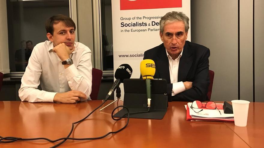 """Jáuregui defiende la hermandad entre el PSC y el PSOE: """"De ruptura nada"""""""