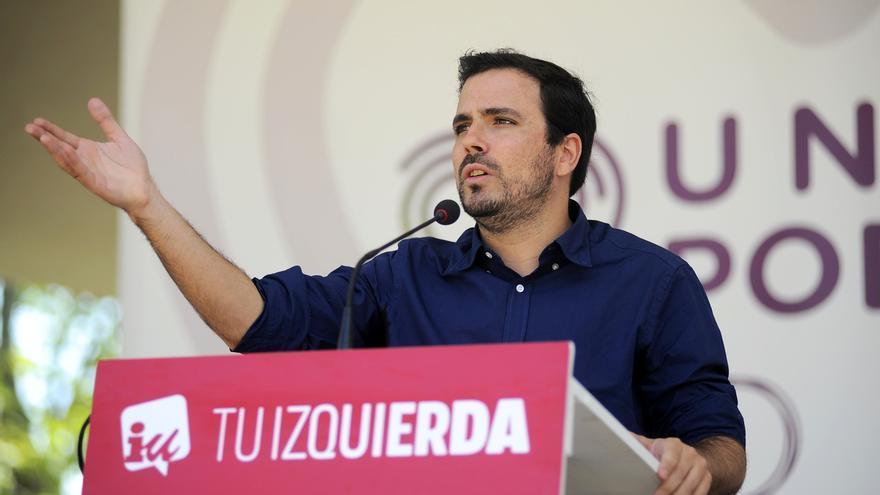"""Garzón cree que el PSOE se ha """"anaranjado"""" y que es """"evidente"""" que busca apoyos de gobierno en la derecha"""