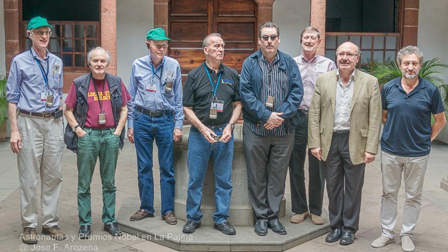 La comitiva 'estelar' junto a Rafael Rebolo y Garik Israelian este jueves en la Casa Salazat. Foto: JOSE F. AROZENA