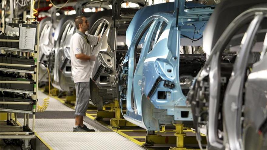 Las ventas industriales caen el 3,4 por ciento en enero y los pedidos el 0,5 por ciento