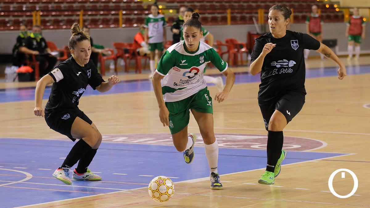 Tere Muñoz, ante el Cádiz en Vista Alegre.