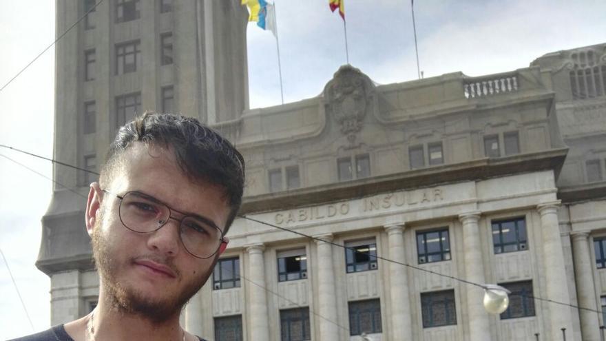 Anthony Carballo, estudiante palmero en la ULL y uno de los promotores de la recogida de firmas