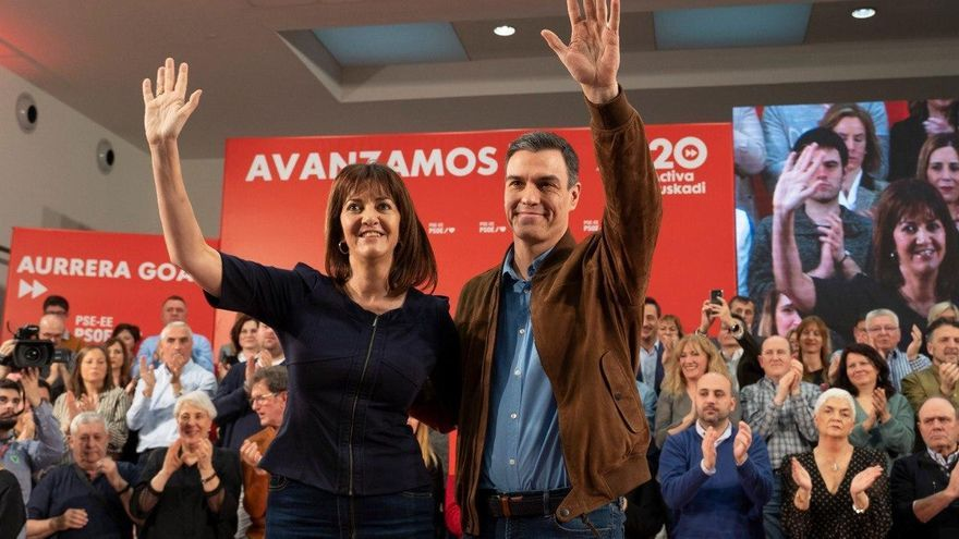 Idoia Mendia y Pedro Sánchez, este domingo en Vitoria