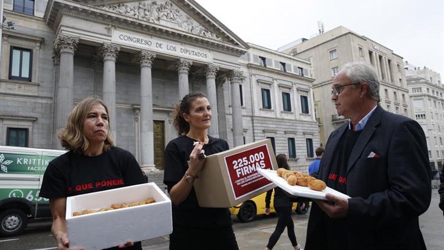 """Entregan """"croquetas ilegales"""" en Congreso contra el desperdicio de alimentos"""